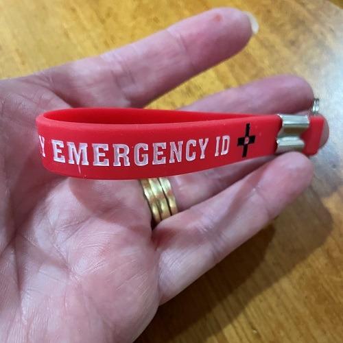 Emergency ID alert key tag